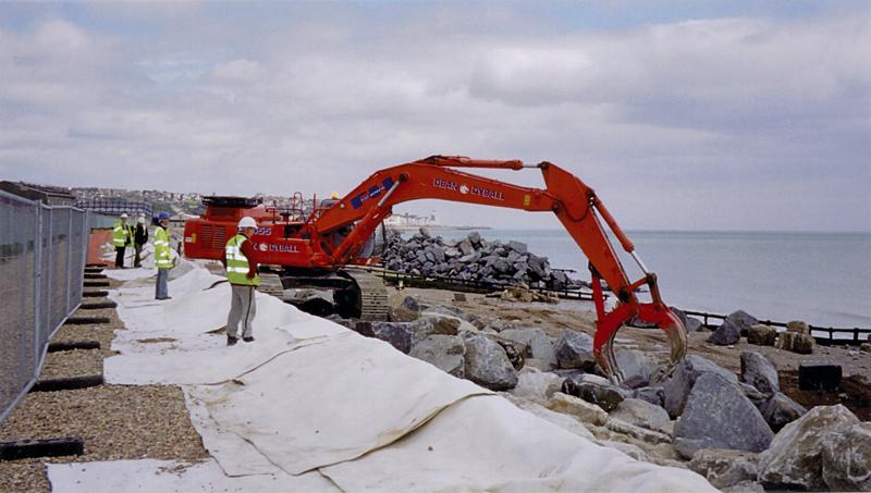 Vải địa dùng trong các công trình ven biển