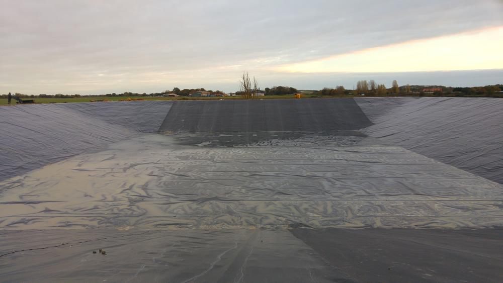 màng chống thấm lót hồ chứa nước